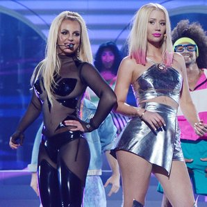 Iggy Azalea and Britney Spears Billboard Awards 20